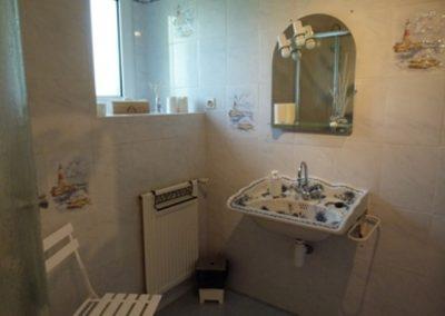 Chambre-lAuthentique-sdb-2-Le-Bois-Bras-ST-CAST-400x284
