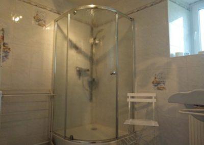 Chambre-lAuthentique-Douche-Le-Bois-Bras-ST-CAST-400x284